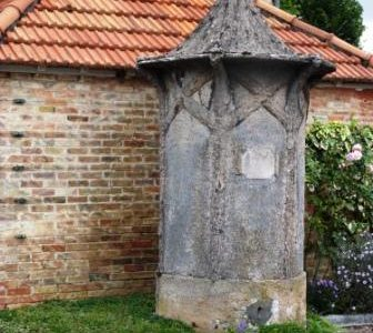 borne fontaine sainte marie